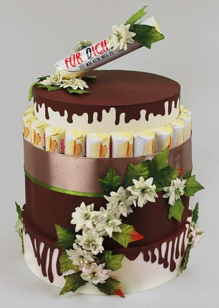 weisse Duplo Schokoladen Torte mit Topper